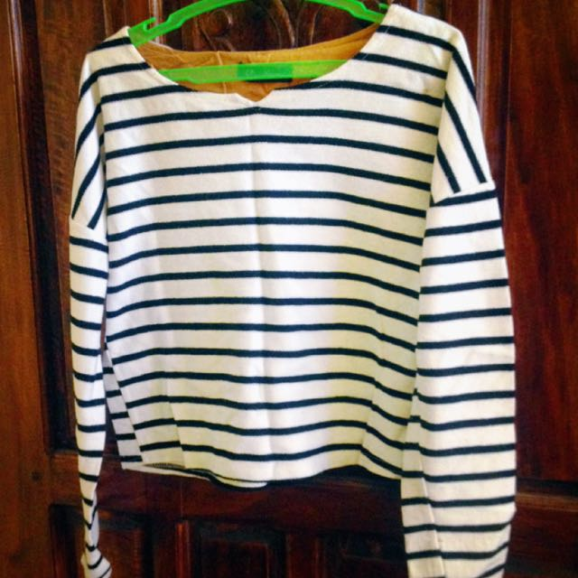 Black And White Stripes Long Sleeve Crop Top