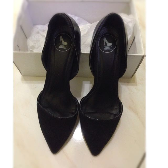 Black Pointed Heels -Repriced! :)