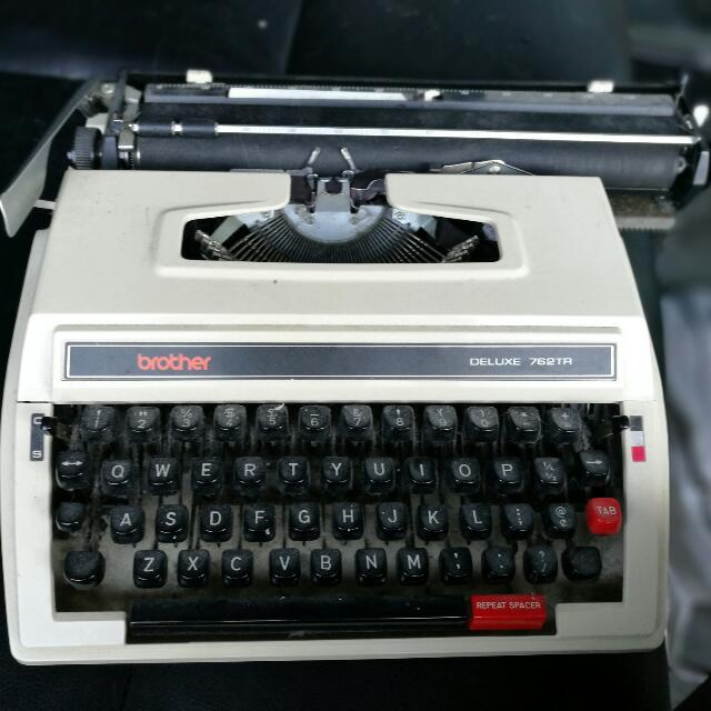 Brother Deluxe 762tr Type Writer
