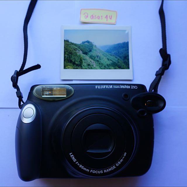 Diskon: FUJIFILM: Instant camera instax 210