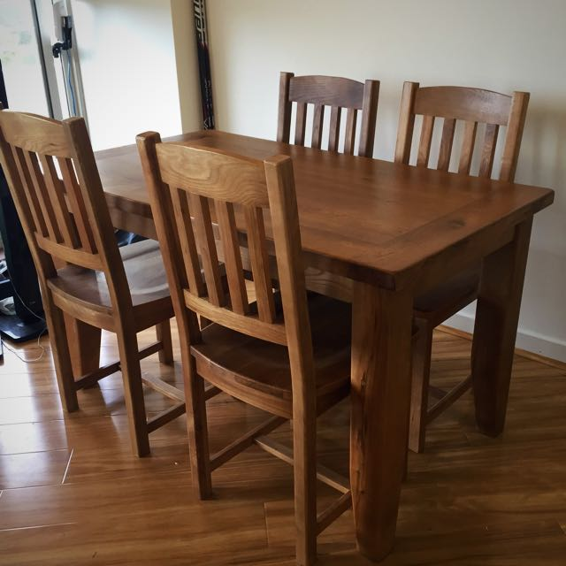 Full Oak Dining Table With 4 Matching Chairs