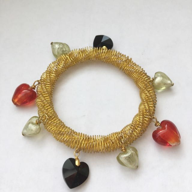 Gold Bracelet With Glass Heart Beads
