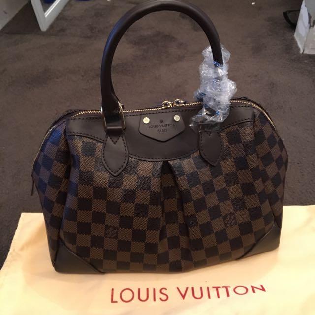 Louis Vuitton Segus