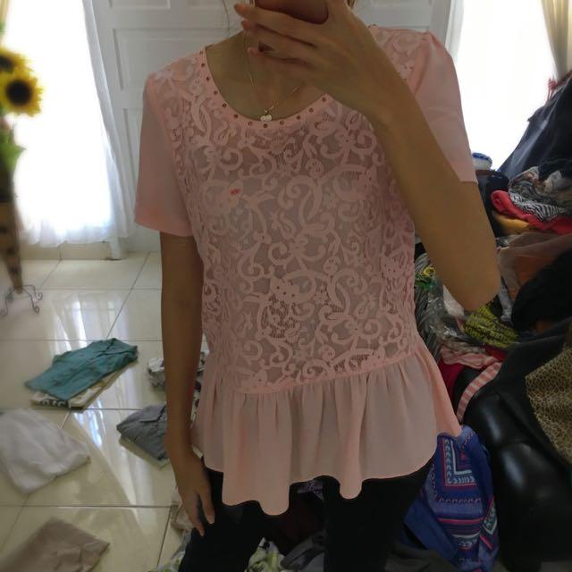 Atasan Minimal Pink