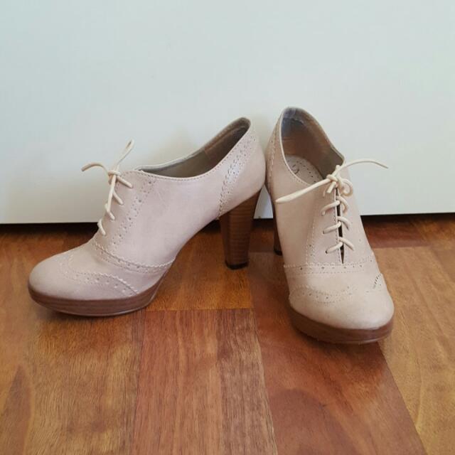 Pale Pink Oxford Heels