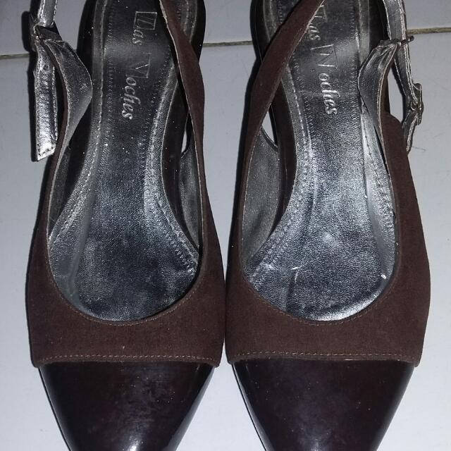 Sepatu Las Noches