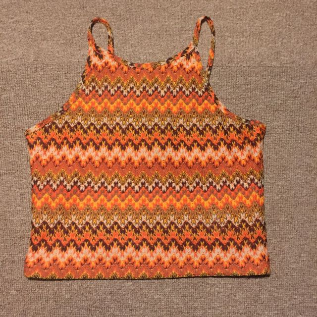 Small Embroidery Crop Top