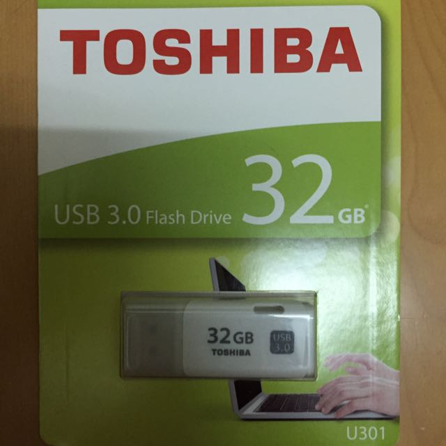 Toshiba 32G 隨身碟(白)
