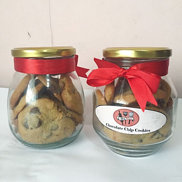 Via @mrsbakerph Chocolate Chip Cookie