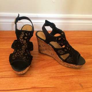 🔥1/2 Price‼️American Eagle Lace Wedges