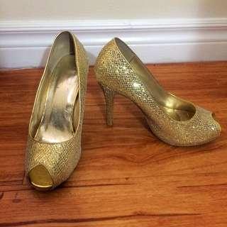 Suzy Shier Gold Heels