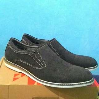Sepatu Slip On Fladeo
