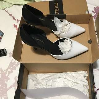 Le chateau Heels Leather Material