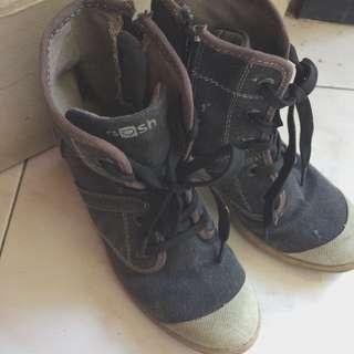 Gosh Boots,Sepatu gosh boots