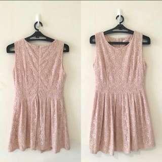 eyescream🌹粉色蕾絲洋裝 M號 長83CM