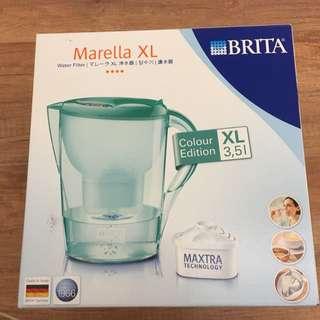 (搬家出清)Brita濾水壺含濾芯 全新