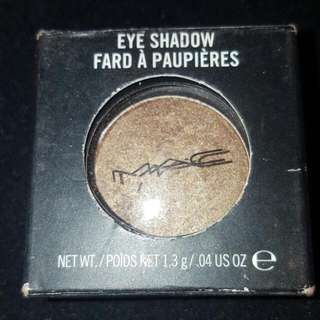MAC Eye shadow Sumptuous Olive BNWT