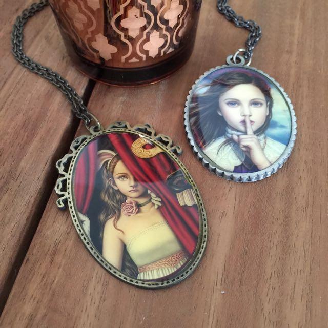 神秘女子吊牌項鍊