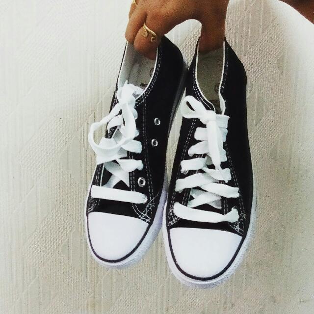 全新帆布鞋 黑色