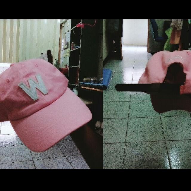 全新 粉紅色帽子