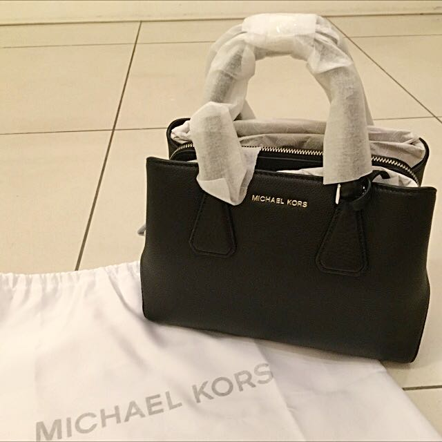 30a27cb41311 Brand New Authentic Michael Kors Camille Small Satchel, Luxury, Bags &  Wallets on Carousell