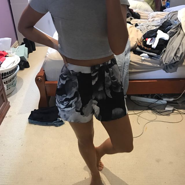CAMEO floral Shorts