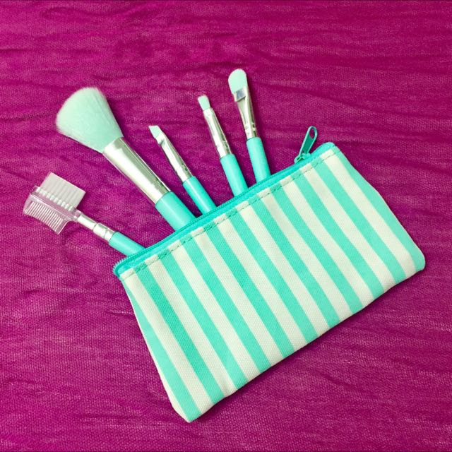 Claire's Travel Make-up Brushes