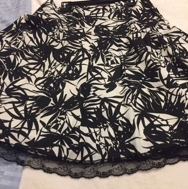 Elegant Black N Cream Skirt