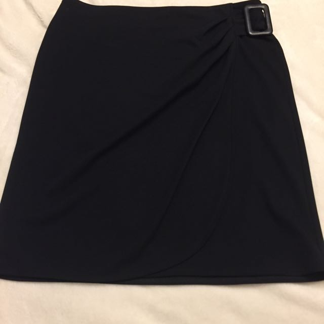 Elle Chateau Overlapping Skirt