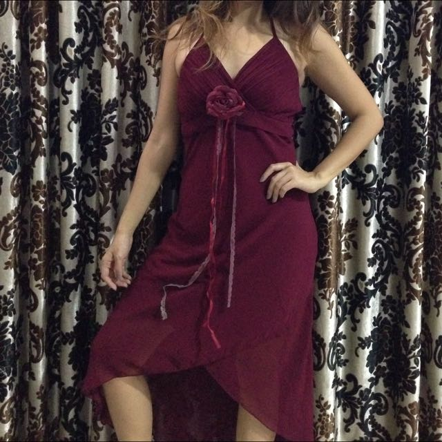 Elsy's Maroon Dress