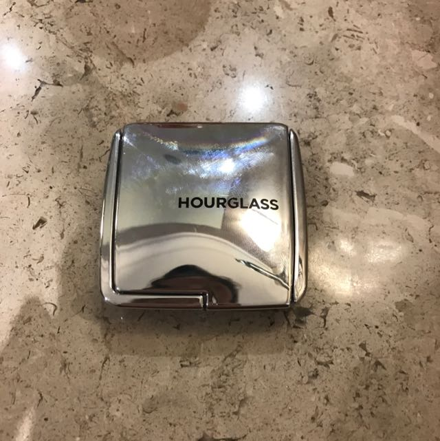 Hourglass Strobe Lighting Powder