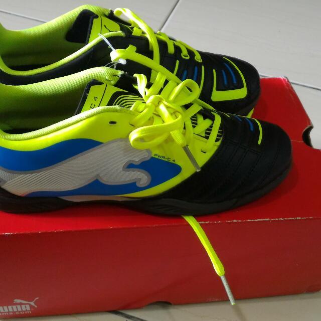 Kasut Futsal Puma(kanak-kanak) 92a54819ea