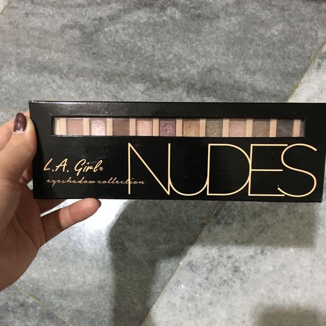 La Girl Nudes Eyeshadow