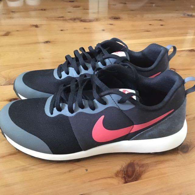 Nike Kicks
