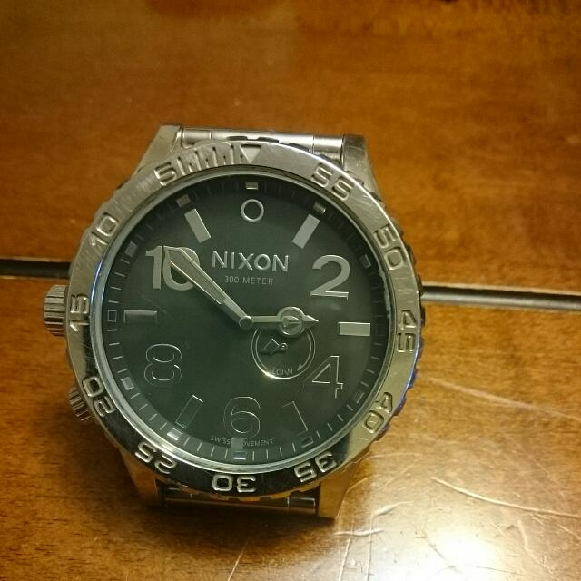 Nixon Hand Watch