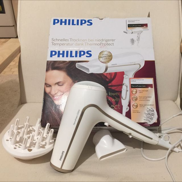 Philips HP8232 Thermo Protect Ionic Hairdryer