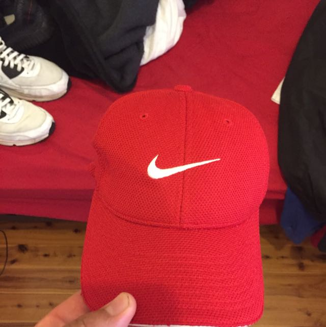 Red Flexfit Nike hat