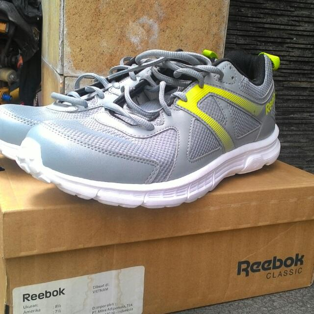 42Men's Original Size Sepatu Running Vietnam Reebok In Made stQChdr
