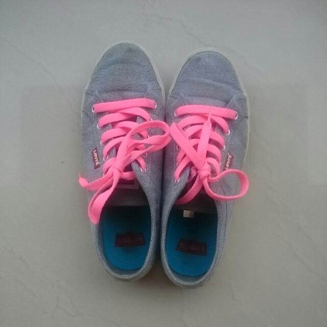 Sneaker By Levi's