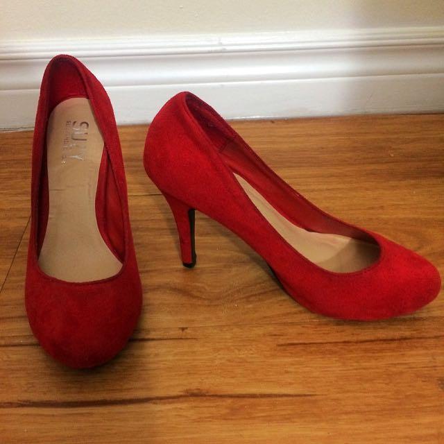 SALE!!!! Suzy Shier Suede Heels