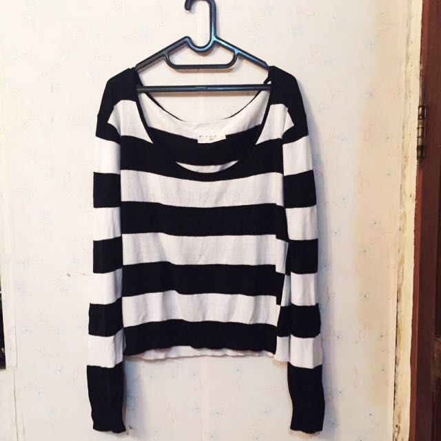 Sweater Preloved (X) S.M.L