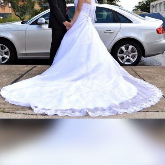 Wedding Dress With Veil & Skirt size 10-12