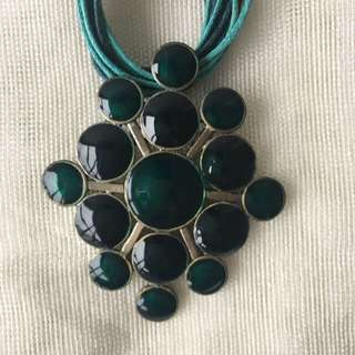 Necklace - Green And Oxidized Golden