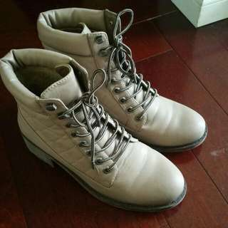 Dollhouse Boots Size 9
