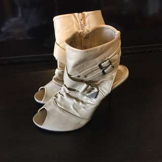 Open Toe And Ankle Size 9 Booties