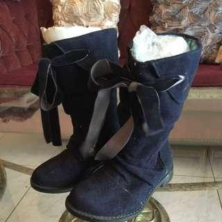 全新少有女童雞皮皮靴,也適合新生禮