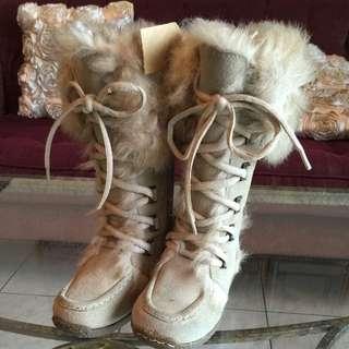 全新超有型女童毛皮靴,適合新生禮