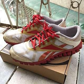 Reebok慢跑運動鞋