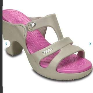 BNIB Crocs Cyprus V Heel (Size 8)
