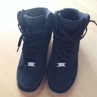 Nike Air Force One High Cut Suede